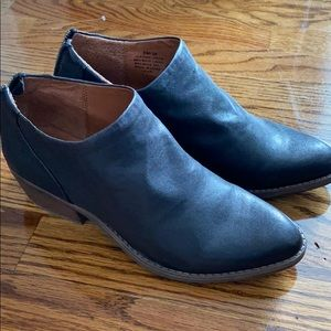 Lucky Brand 2019 black leather booties